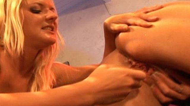 Barbara Summer Time And Crissy Cums Lick Each And Every Different's Pussy