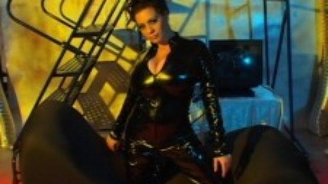 Linsey In The Matrixxx