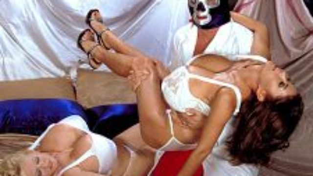 Minka & Kayla Vs Blue Sack Of Babymakers