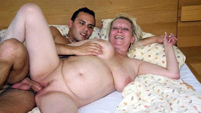 Lusty Grandma Coochie Porked