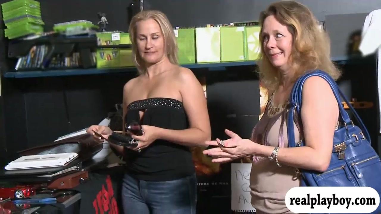 Random Ladies Displayed Globes For Cash