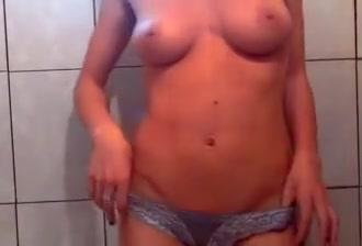 Romanian Camgirl