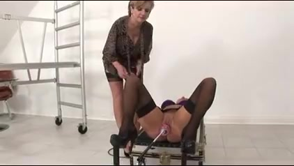 Gal Sonia – Mia Practices The Spread