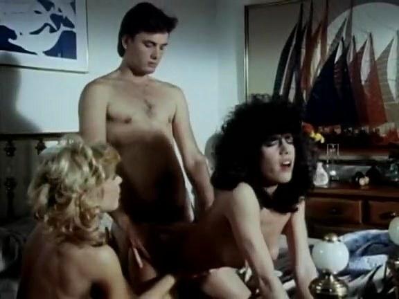 Lois Ayres, Stick Shift Leslie, Nina Hartley In Old School Hump Movie