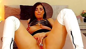 Ellajenner's Fuckbox Gulps That Fake Penis Whilst Far Off Fucktoy Is Zizzing Inwards Of Her